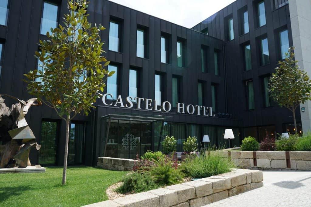 O Castelo Hotel fica mesmo no centro da cidade de Chaves