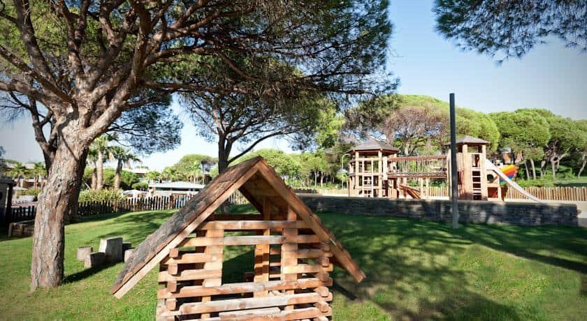 Brincadeiras para crianças no Epic Sana Algarve