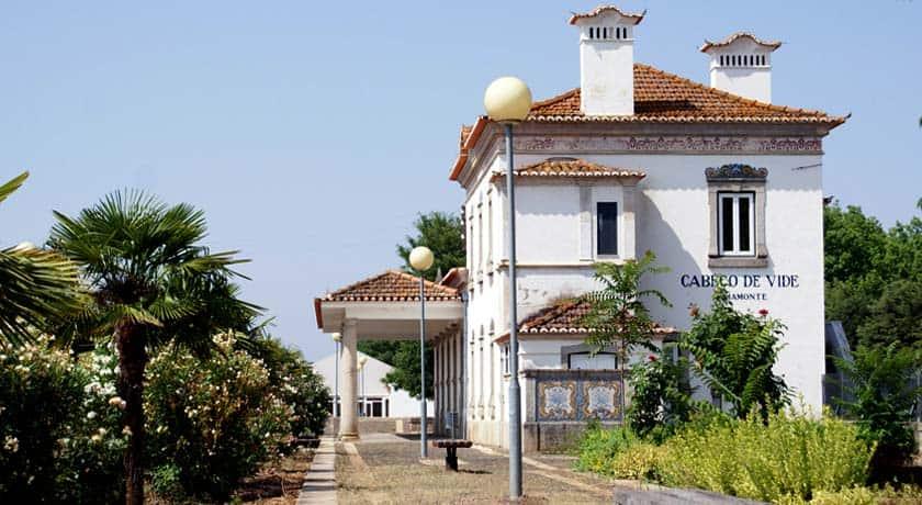 Hotéis em estações de caminho-de-ferro: Estalagem Rainha D. Leonor