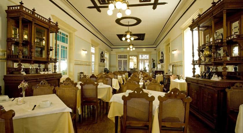 Sala de refeições no Grande Hotel de Paris