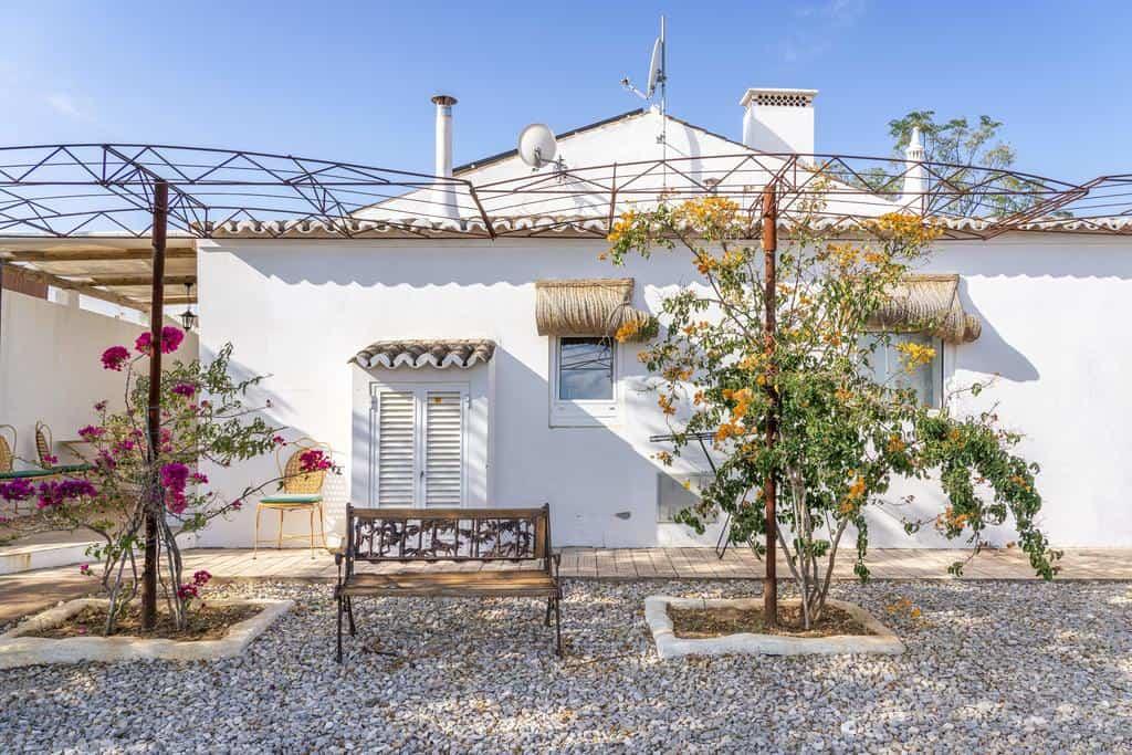 Hotéis para ver amendoeiras em flor no Algarve: Monte do Malhão